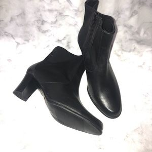 CLOUDWALKERS Gloria Black Leather Ankle Boots